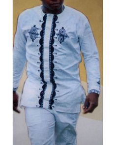 In the Linen Design category African clothes have wide variety of african attire, designers outfit for both official wear and for informal meetings, we have men's linen top only African Wedding Attire, African Attire, African Wear, African Dress, African Inspired Fashion, African Men Fashion, African Women, African Clothing For Men, African Shirts