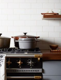 White Subway Tile  Brooklyn Apartment ideas Rustic Kitchen Industrial Style  Comfortable  Cozy winter home  Tiny House