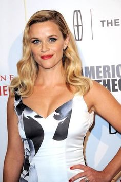Reese Witherspoon Age, Bio, Net Worth, Family & More - Famous World Stars Hottest Female Celebrities, Beautiful Celebrities, Beautiful Actresses, Most Beautiful Women, Celebs, Reese Witherspoon Age, Reese Witherspoon Birthday, Hot Actresses, Hollywood Actresses