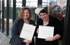 Déclaration d'amour de nouvelles mariées à Seattle.