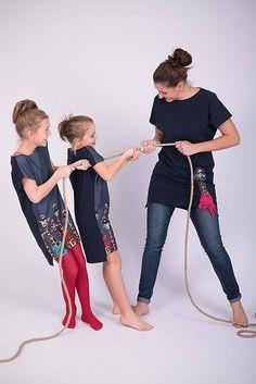 Tmavomodrá tunika zebra pre dievča #detskamoda#jedinecnesaty#handmade#originalne#slovakia#slovenskydizajn#móda#šaty#original#fashion#dress#modre#ornamental#stripe#dresses#vyrobenenaslovensku#children#fashion#rucnemalovane Capri Pants, Fashion, Tunic, Moda, Capri Trousers, Fashion Styles, Fashion Illustrations