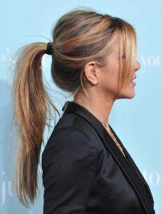 Jennifer Aniston Haircut, Estilo Jennifer Aniston, Jennifer Aniston Brown Hair, Jennifer Lopez Hair Color, Jennifer Aniston Hair Color, Good Hair Day, Great Hair, 90s Haircuts, White Hair Highlights