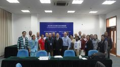 Miembros de la delegación de la Aduana Cubana con el profesor asociado Liu Genfa, Subdirector General del Departamento de Intercambio Internacional y Programas de Desarrollo del Instituto de Liderazgo y Preparación de Cuadros de Pudong, Shanghai