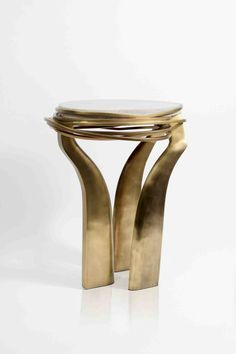 Today we make a powerful unique side table that, in spite of making really perfect, it's a unique assistant to any living or dining room. C Table, Chair Side Table, Gold Furniture, Table Furniture, Vintage Furniture, Furniture Design, Side Coffee Table, Rustic Home Interiors, Bronze Patina