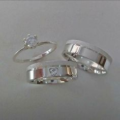 Aliança Wedding Rings Sets His And Hers, Cool Wedding Rings, Silver Wedding Rings, Silver Rings, Engagement Rings Couple, Vintage Engagement Rings, Cute Jewelry, Silver Jewelry, Gold Ring Designs