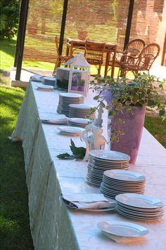 Aperitivo di benvenuto in giardino a cura di Al Ciocco Catering. Presso Corte Dei Paduli - Wedding Location - Reggio Emilia, Italy.