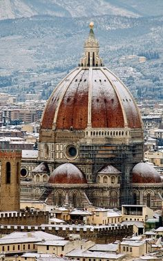 Cattedrale di Santa Maria del Fiore, Firenze, province of Florence Tuscany >>> Looks delightful with that light dusting of snow over everything, especially the various domes and half-domes of the Duomo. Places Around The World, Oh The Places You'll Go, Places To Travel, Pisa, Wonderful Places, Beautiful Places, Filippo Brunelleschi, Place Of Worship, Florence Italy