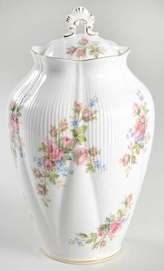 Royal Albert Moss Rose (Montrose Shape) Chelsea Vase with Lid