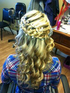 hair idea for the wedding!