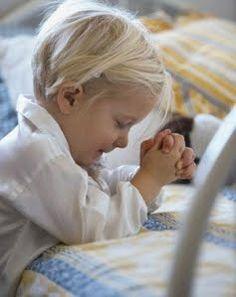 """Tema – Arrependimento Versículo para decorar: """"Ele é o que perdoa todas as tuas iniquidades, que sara todas as tuas enfermidades"""" (Salmos 103.3). Objetivo da lição: Levar a criança a reconhecer que, quando ofende a Deus e outras pessoas, deve arrepender-se e pedir perdão. Ou seja, a criança deve: ■ Reconhecer ■ Arrepender ■ Confessar …"""