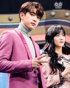 Jisoo and Jinyoung real 💓 Youngjae, Got7 Bambam, Got7 Jinyoung, I Like You Got7, Bts Girl, Park Jin Young, Kpop Couples, Blackpink Jisoo, Jackson Wang