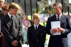September 1997 ~ Prince Charles, The Prince of Wales is with his sons, Prince William and Prince Harry, outside Westminster Abbey at the funeral of Diana, The Princess of Wales. (Photo by Anwar Hussein/WireImage) Lady Diana, Duchess Kate, Duchess Of Cambridge, Prince Harry, Princess Diana Funeral, Herzogin Von Cambridge, Grieving Mother, Prince Charles And Camilla, Prince Philip