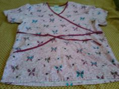 Women's Pretty Print Scrub Top Size Large SB Scrubs  #SBScrubs