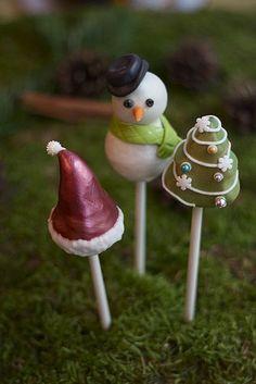 Pretty Christmas cakepops