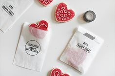 diy valentines treat bags / with free printables