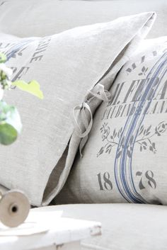 home office decor French Cottage Garden, French Country Cottage, French Chic, French Style, Grain Sack, Linens And Lace, Home Office Decor, Soft Furnishings, Bed Pillows