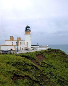 Killantringan Scotland ... The Killantringan Lighthouse was built in 1900. It is located on the west coast of Scotland facing Ireland on a high promontory.