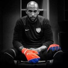 USA Men Soccer - Tim Howard Goalkeeper. USA is one of the 16 teams to advance to the next round of the world cup!