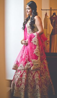 Wedding Indian Lehenga Ux Ui Designer 47 New Ideas Indian Bridal Outfits, Indian Bridal Fashion, Indian Bridal Wear, Indian Dresses, Asian Fashion, Indian Wear, Indian Clothes, Lehenga Indien, Pink Bridal Lehenga