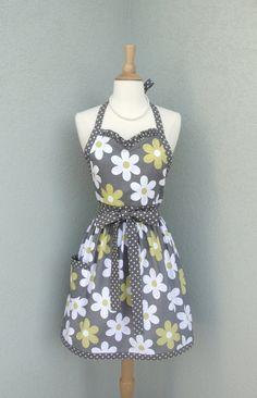 Flirty Sweetheart Apron in Lil Plain Jane Daisy by bernicesdesigns, $33.00