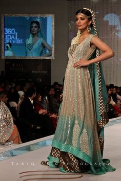 Latest Pakistani Bridal Wear Sharara For Walima or Engagement....sooo pretttyyyy