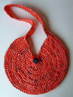 cute plarn purse!