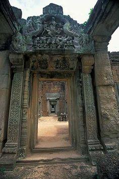 Banteay Samre, Angkor Temples, Cambodia. http://exploretraveler.com http://exploretraveler.net