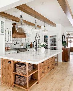 Farmhouse Kitchen Decor, Kitchen Redo, Home Decor Kitchen, Farmhouse Interior, Modern Farmhouse Decor, Modern Farmhouse Kitchens, Kitchen Interior, Home Interior, Home Kitchens