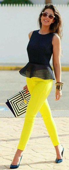 Outfits con pantalones de color - un acierto para esta temporada