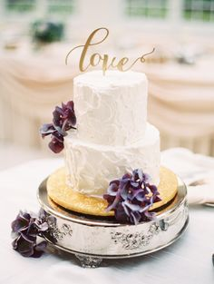 Photography: Evan Hunt Photo - evanhuntphoto.com/  Read More: http://www.stylemepretty.com/2014/09/12/illinois-estate-wedding-in-pretty-pastels/