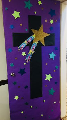 Door Attach purple bulletin board paper to a door. Cut out a cross shape and attach it to the purple paper. Use glitter paper and cut out a star shape. Cut out several colorful star shapes and attach those to the paper. Moon Crafts, Vbs Crafts, Camping Crafts, Space Crafts, Bible School Crafts, Bible Crafts For Kids, Outer Space Decorations, School Decorations, Space Theme