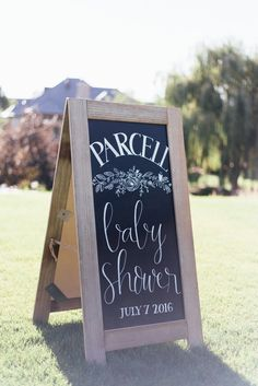 This is the Wildly Gorgeous Solution to a Gender Neutral Baby Shower Oh Baby-Dusche, oh Baby-Party-Dekor, geschlechtsneutrale Baby-Dusche, . Baby Shower Welcome Sign, Baby Shower Signs, Baby Shower Cards, Baby Shower Themes, Shower Ideas, Baby Shower Outfits, Office Baby Showers, White Baby Showers, Baby Shower Backdrop