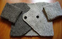 Este casaquinho de tricô em tons de cinza, vai para o Matheus que nasceu em junho. Ele faz conjunto com este gorrinho que eu fiz com o...