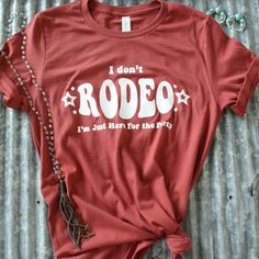 Rosebud's Designs and Apparel Tees You Need To Add To Your Closet - Cowgirl Magazine Country Style Outfits, Southern Outfits, Country Fashion, Rodeo Shirts, Western Shirts, Western Chic, Western Wear, Cowgirl Outfits, Cowgirl Fashion
