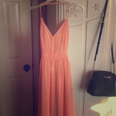 """PEACH LULU's OPEN BACK MAXI the straps cross against your back. I am 4'11"""" and the dress is far too long for me. Lulu's Dresses Maxi"""