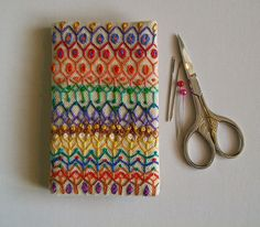 i love the embroidery on this needle case!