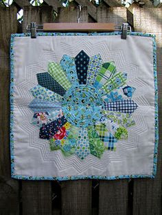 dresden mini quilt. I love the quilting