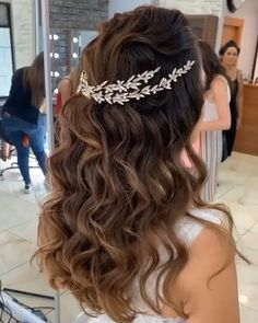 Quince Hairstyles, Open Hairstyles, Flower Girl Hairstyles, Wedding Hairstyles For Long Hair, Bride Hairstyles, Hairstyles With Bangs, Hairstyles Videos, Hairstyle Short, School Hairstyles