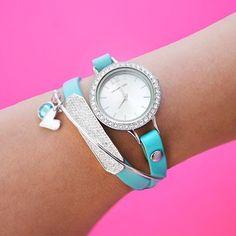 Origami Owl Custom Jewelry - Charms, Lockets & Bracelets......charmingcarlas.origamiowl.com