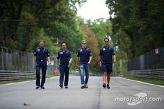 Marcus Ericsson, Sauber F1 Team walking the Monza circuit on Thursday.