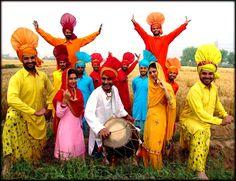 Lohri or Maghi Day Festival Celebration in Different State of India Punjab Festivals, Hindu Festivals, Indian Festivals, Baisakhi Images, Sri Lanka, Baisakhi Festival, Best Wishes Messages, Text Messages, Happy Baisakhi