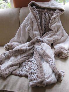 Fur Lined Coat, Winter Outfits, Winter Clothes, Keep It Classy, Van Halen, Snow Leopard, Furs, Sweater Weather, Faux Fur
