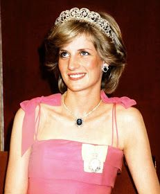 Royal Family Around the World: The Late Princess Diana draped herself in sparkling stones she adored at every opportunity, from family heirlooms to pieces borrowed from the Spencers' favourite jeweler Collingwood, ensuring a dazzling appearance that captivated everyone in the room - August 7, 2017