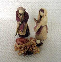 Colombia Corn Husk Holy Family - World Nativity Christmas Nativity Set, A Christmas Story, Nativity Sets, Christmas Crafts, Family Set, Holy Family, Corn Husk Crafts, Corn Husk Dolls, Rainbow Loom Bracelets