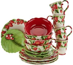 Add a touch of fresh-picked charm to your everyday dining and serving experiences with this versatile Figural Fruit dinnerware set by Temp-tations. Red Kitchen, Kitchen Dishes, Temptations Cookware, Strawberry Pictures, Fruit Soup, Strawberry Kitchen, Melamine Dinnerware Sets, Strawberry Decorations, Strawberry Shortcake