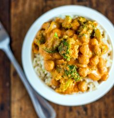 5 Ingredient Coconut Curry  1 can coconut milk  2 tablespoons red curry paste  2 small heads broccoli (and/or other veggies of choice)  1 can chickpeas, rinsed and drained  ½ tablespoon cornstarch dissolved in 2 tablespoons cold water  optional: minced garlic or onion