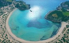 The dazzling beach with golden sand and crystal clear waters of Messinia Peloponnese Hellas Wow 3, Crystal Clear Water, Turquoise Water, Travelogue, Greek Islands, Holiday Destinations, Beautiful Places, Waves, In This Moment
