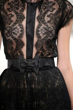 Black lace detail on dress w/visable zipper