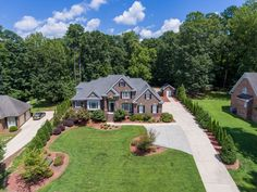 A #picture is worth a thousand words. In #realestate, a captivating #image can sell a #property and be worth thousands of dollars.  Hire Raleigh Real Estate #Photographer. #photography #realestateforsale #realestateagent #Photoshoot