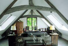 Как обустроить комнату в мансарде, на чердаке ~ Дизайн красивых интерьеров и вещей